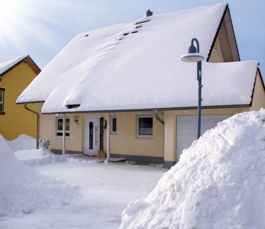 Lumi katusel